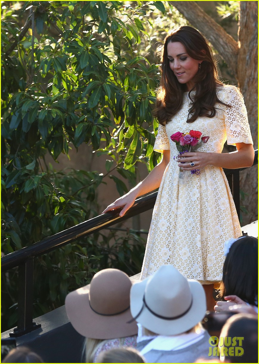 prince george goes to the zoo kate middleton prince william 263095527