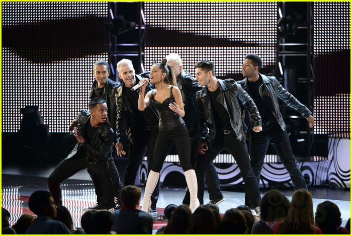 ariana grande radio disney music awards 2014 073099828