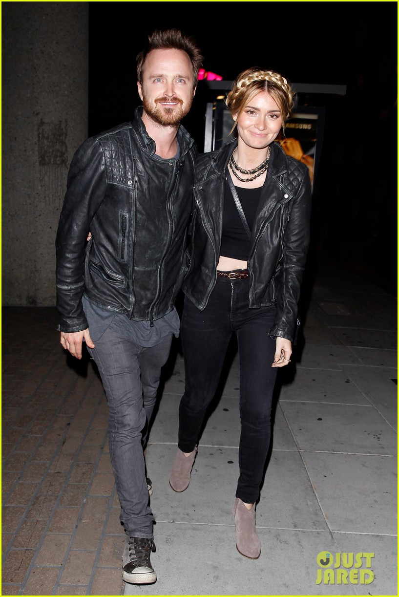 jake gyllenhaal aaron paul are easy on the eyes at arcade fire concert 05