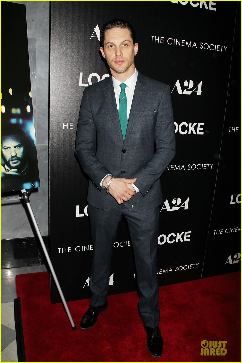 tom hardy sports green tie at locke premiere 08
