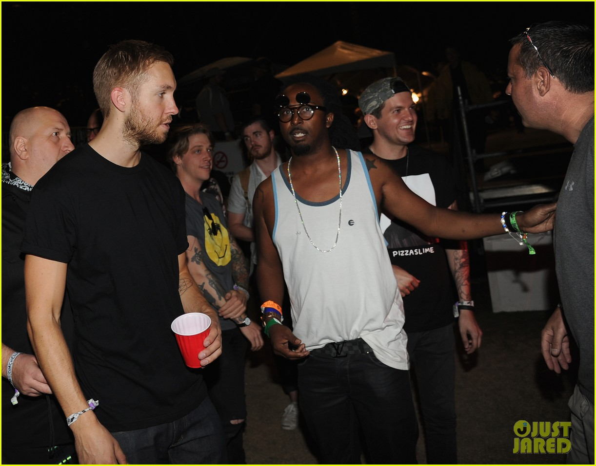 calvin harris performs energetic set at coachella 2014 03