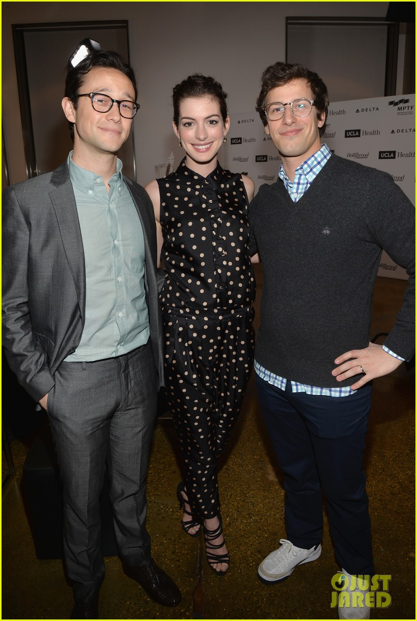 anne hathaway joseph gordon levitt dark knight reunion 033085366
