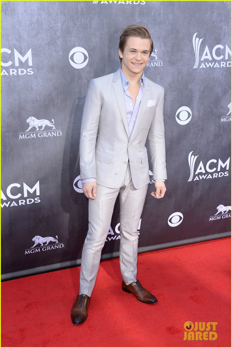 hunter hayes acm awards 2014 red carpet 04