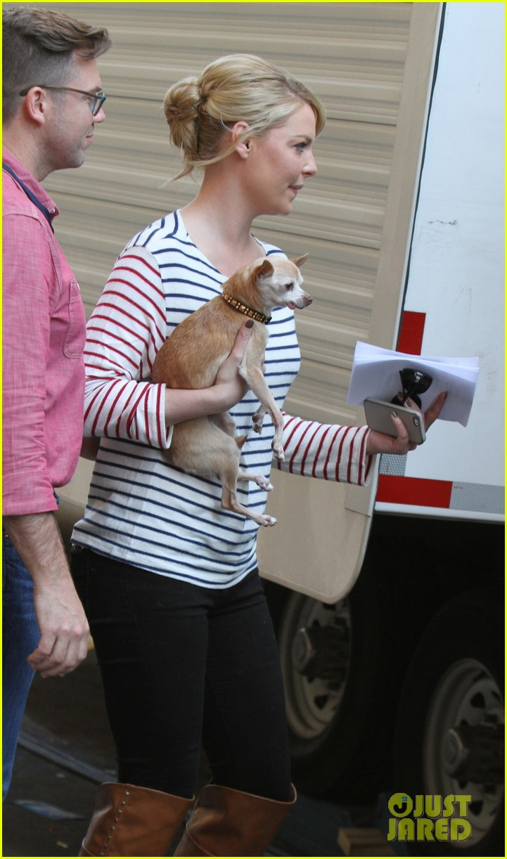 katherine heigl ventures off with mother after wrapping up state of affairs pilot 04