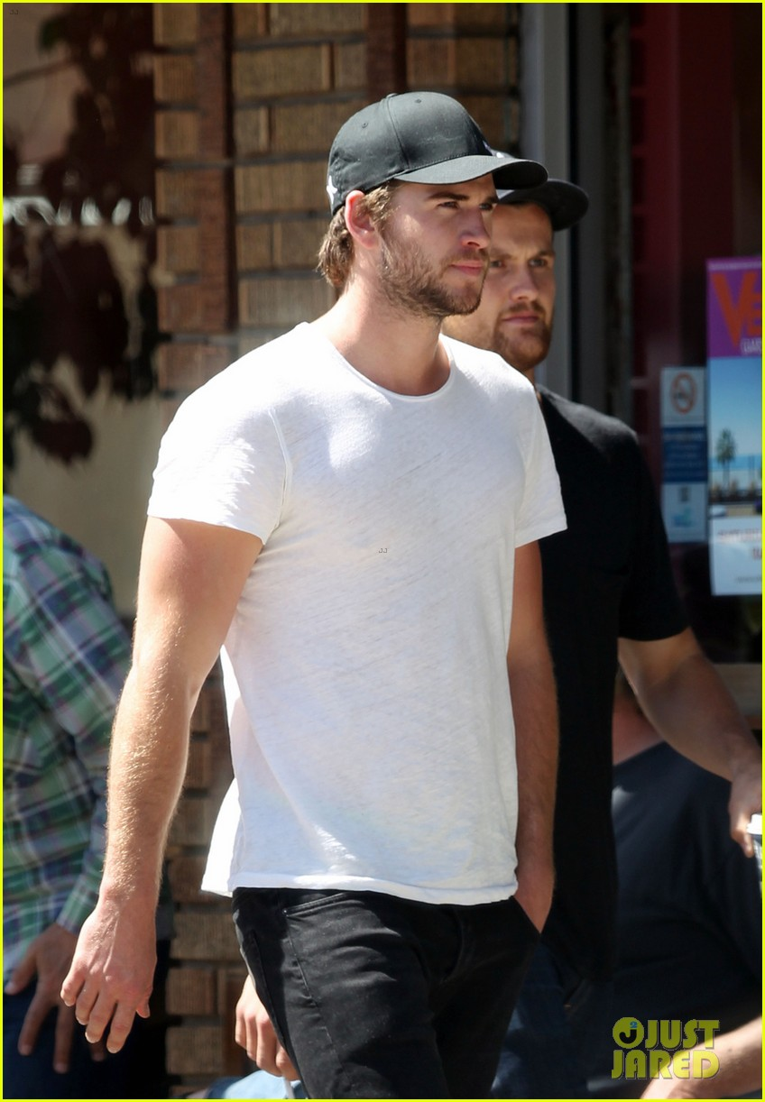 liam hemsworth emerges and he is looking fit 06