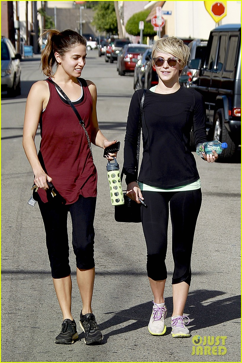 julianne hough nikki reed hiking with cara santana 05