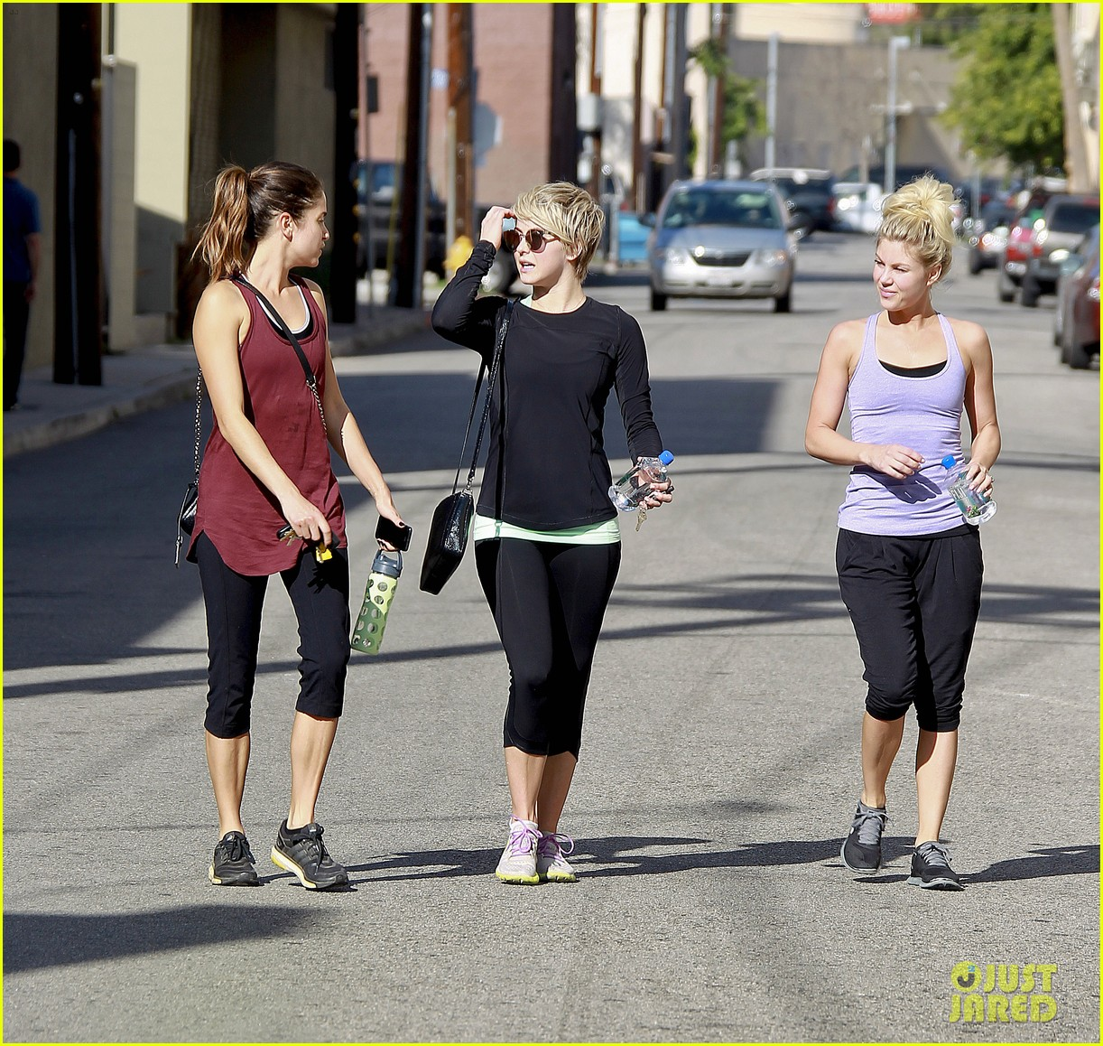 julianne hough nikki reed hiking with cara santana 27