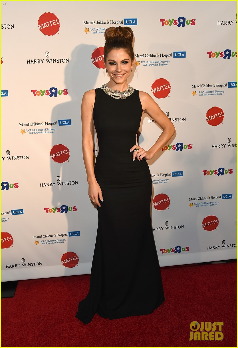 julianne hough nikki reed kaleidoscope ball 15