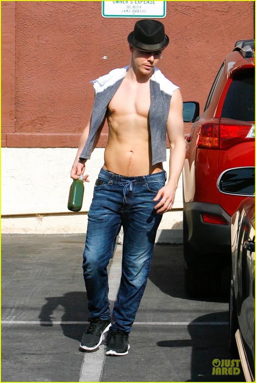 derek hough shirtless body reason why you should dance 05