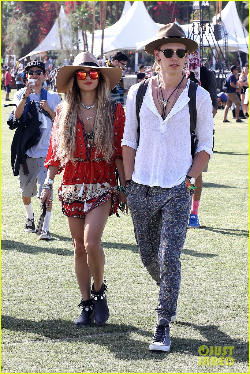 vanessa hudgens austin butler such a cute coachella couple 033091493
