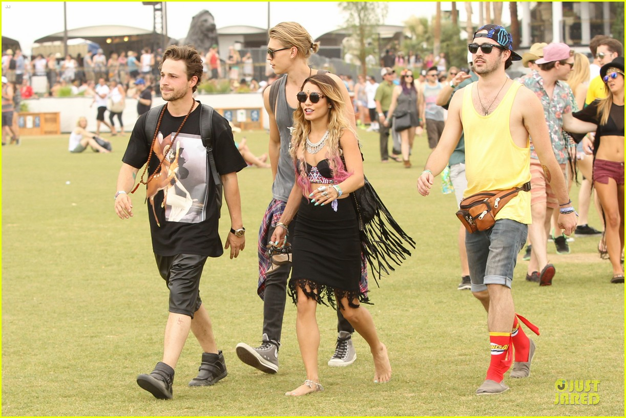 vanessa hudgens austin butler couldnt get enough of coachella 143094971