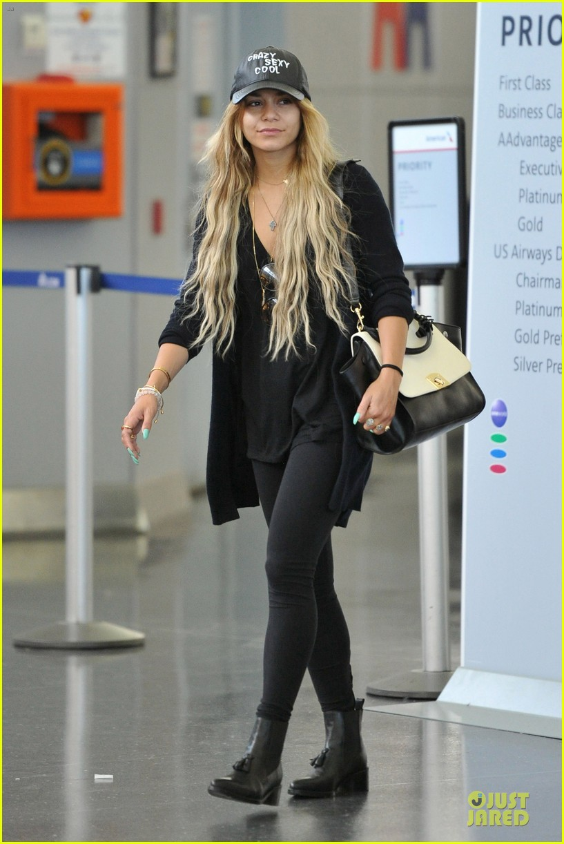 vanessa hudgens sunglasses red at lax airport 063099547