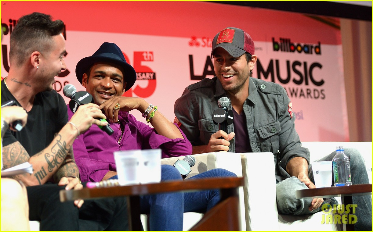 enrique iglesias announces fall tour with pitbull j balvin at billboard event 04