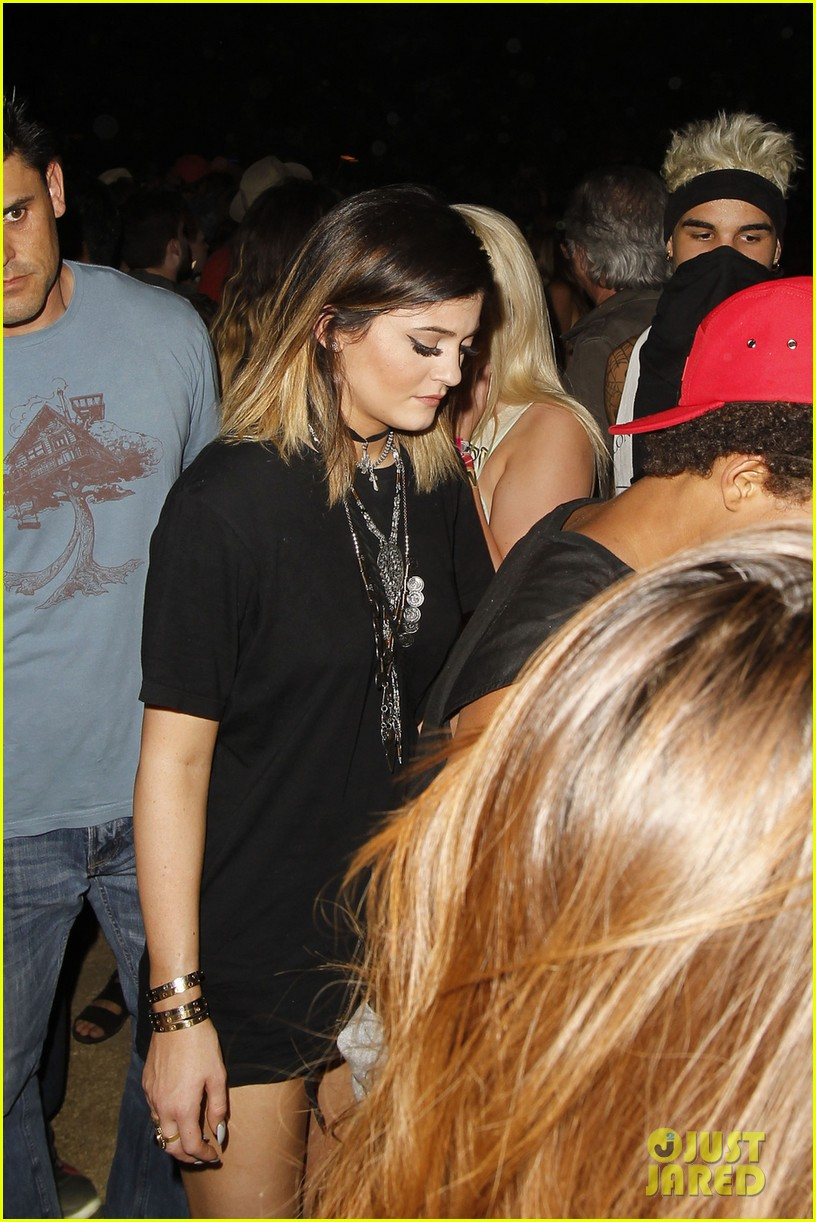 kylie jenner willow smith attend final coachella show 01