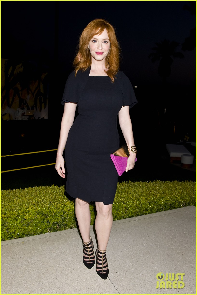 january jones christina hendricks ladies of mad men help launch jimmy choos choo 08 013093187