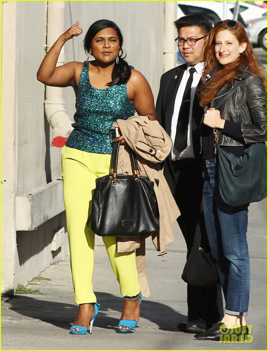 mindy kaling takes lots of effort to look like a normal person 033082817