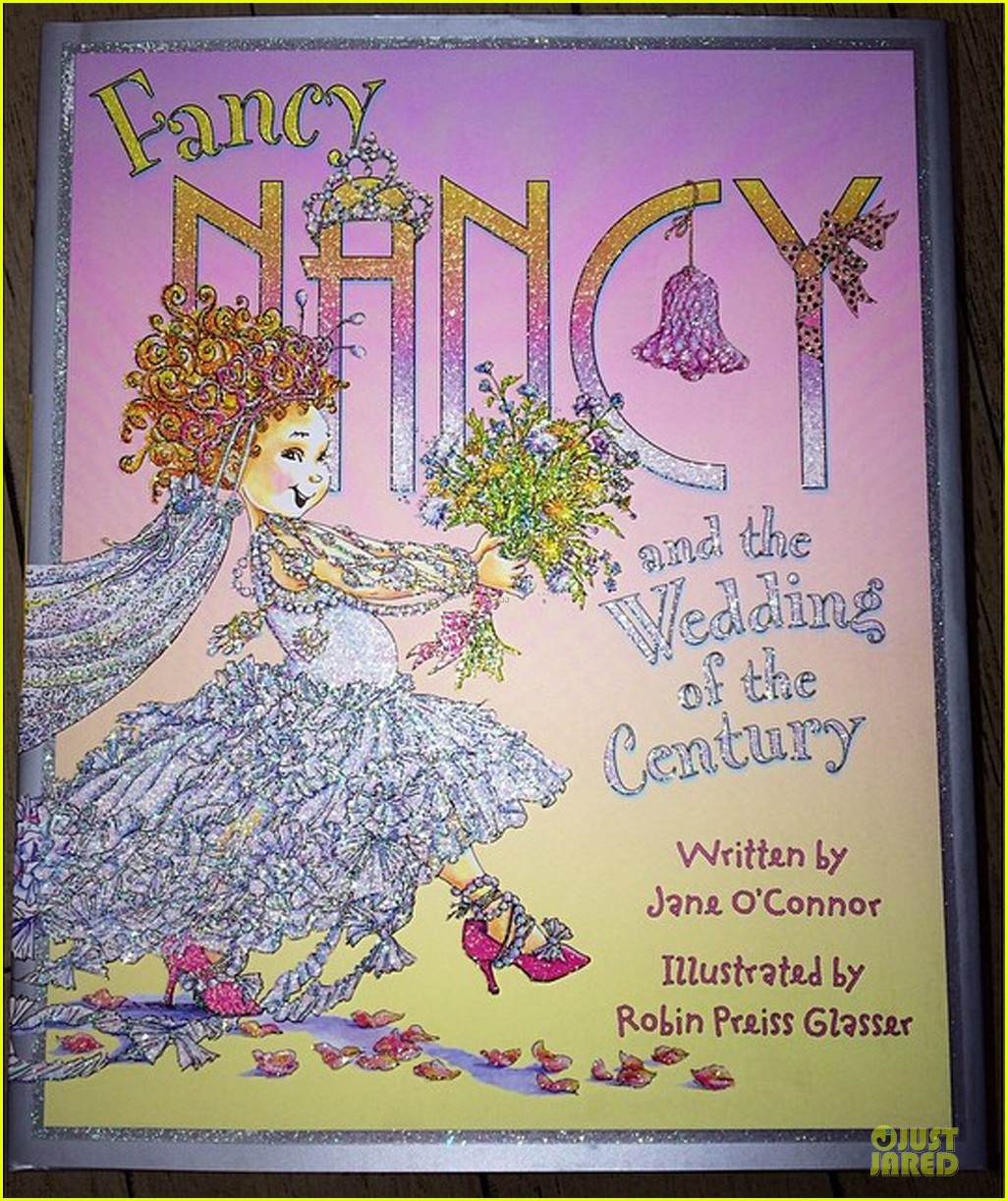kim kardashian wedding upstage fancy nancy 053093489
