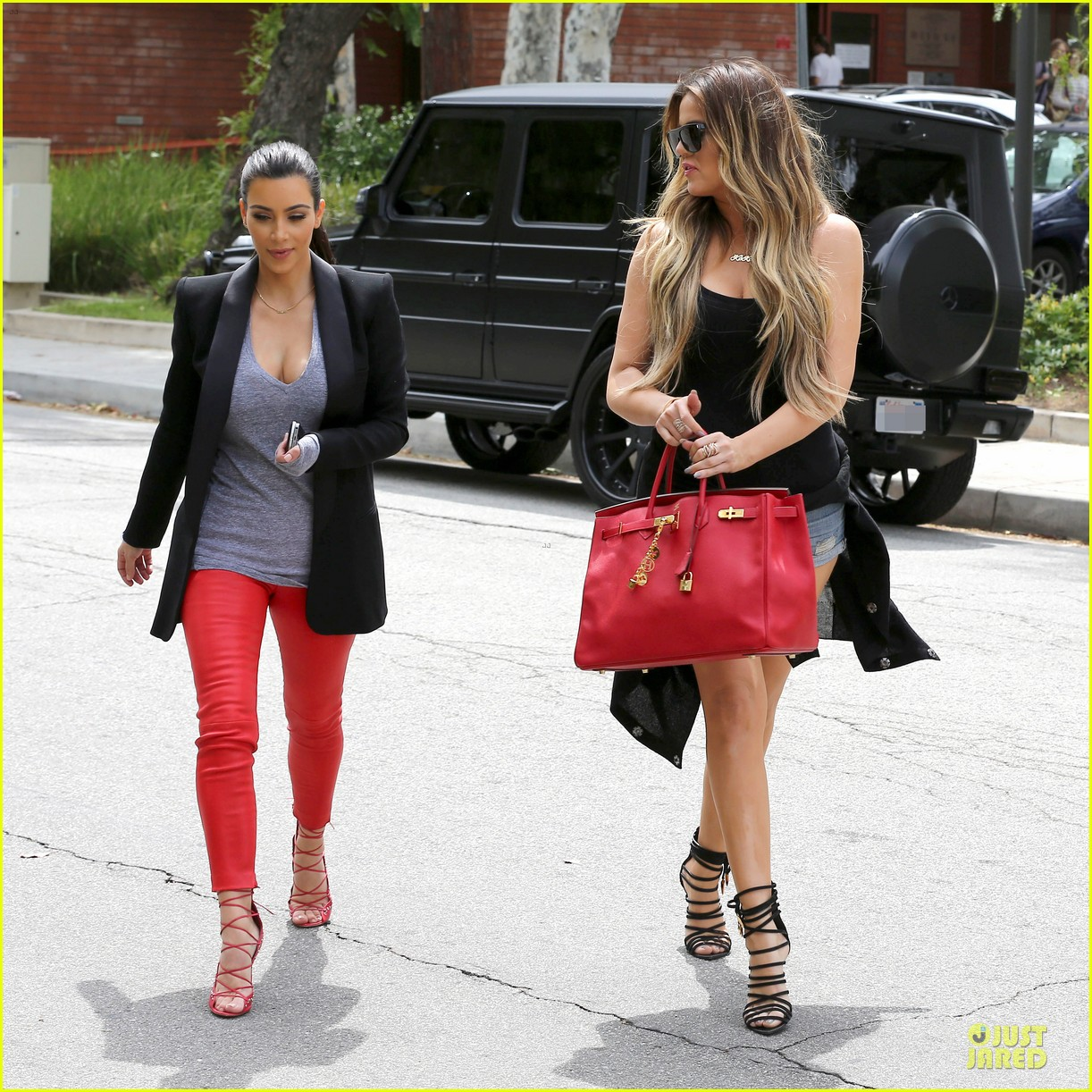 kim kardashian likes to tell sis khloe to drink it up 24