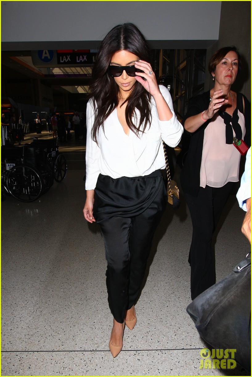 kim kardashian flies out of town amid new wedding rumors 063101775