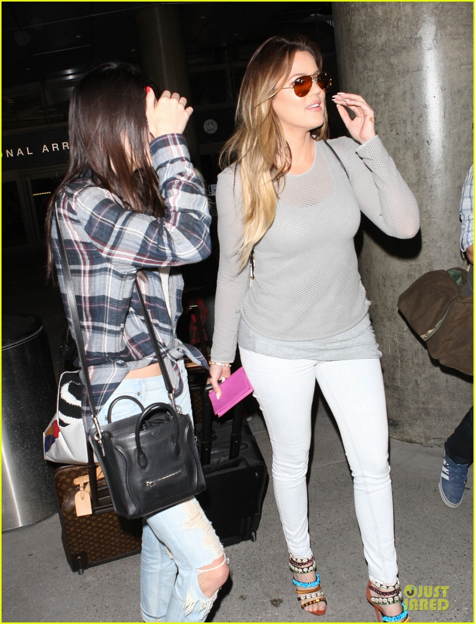 kendall kylie jenner arrive with bruce kris 093083604