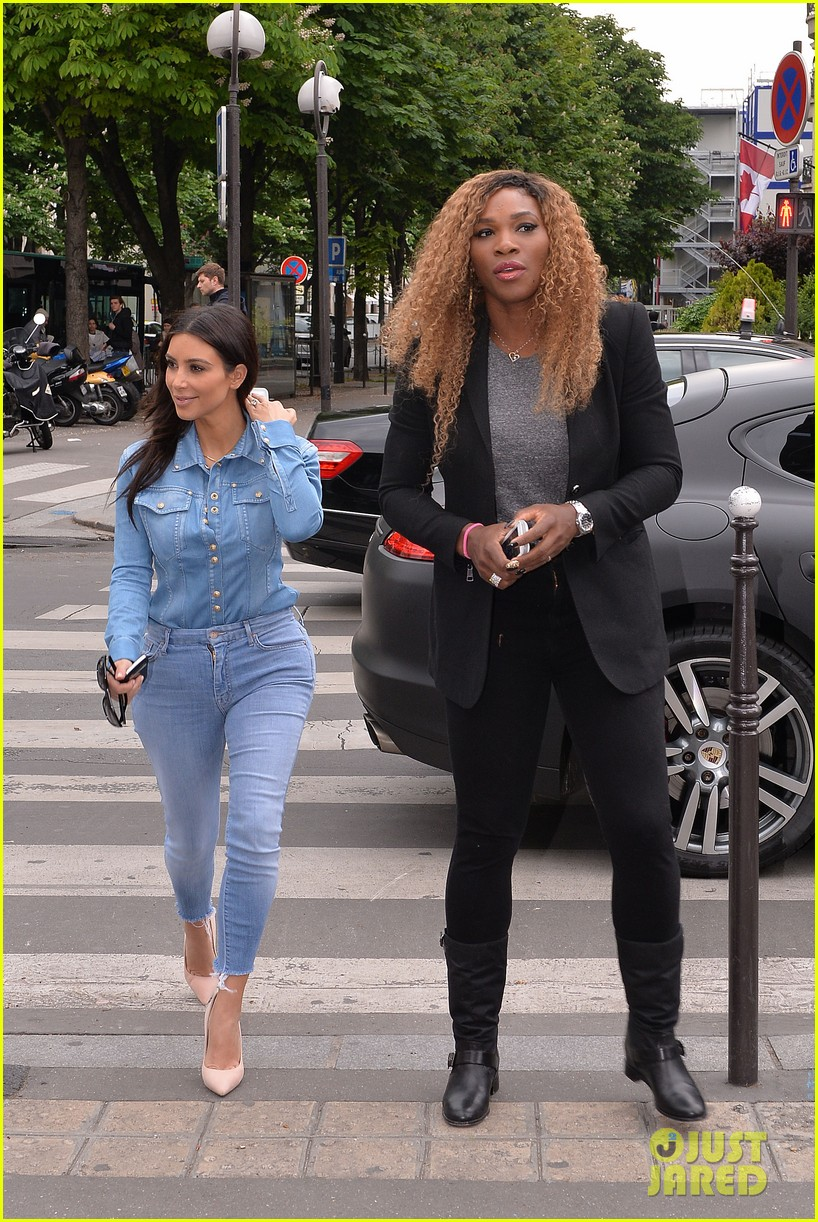 kim kardashian does double denim for lunch with serena williams 07