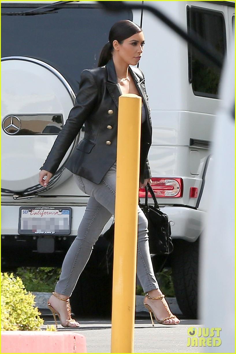 kim kardashian denies six hour spa treatments i was taking selfies 093087619