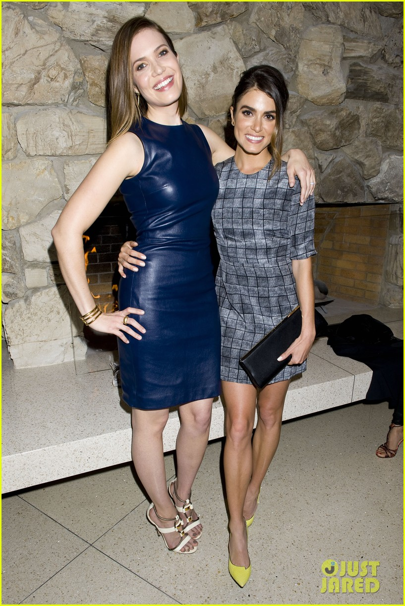 jaime king nikki reed are fashionistas at jimmy choos choo 08 launch party 04