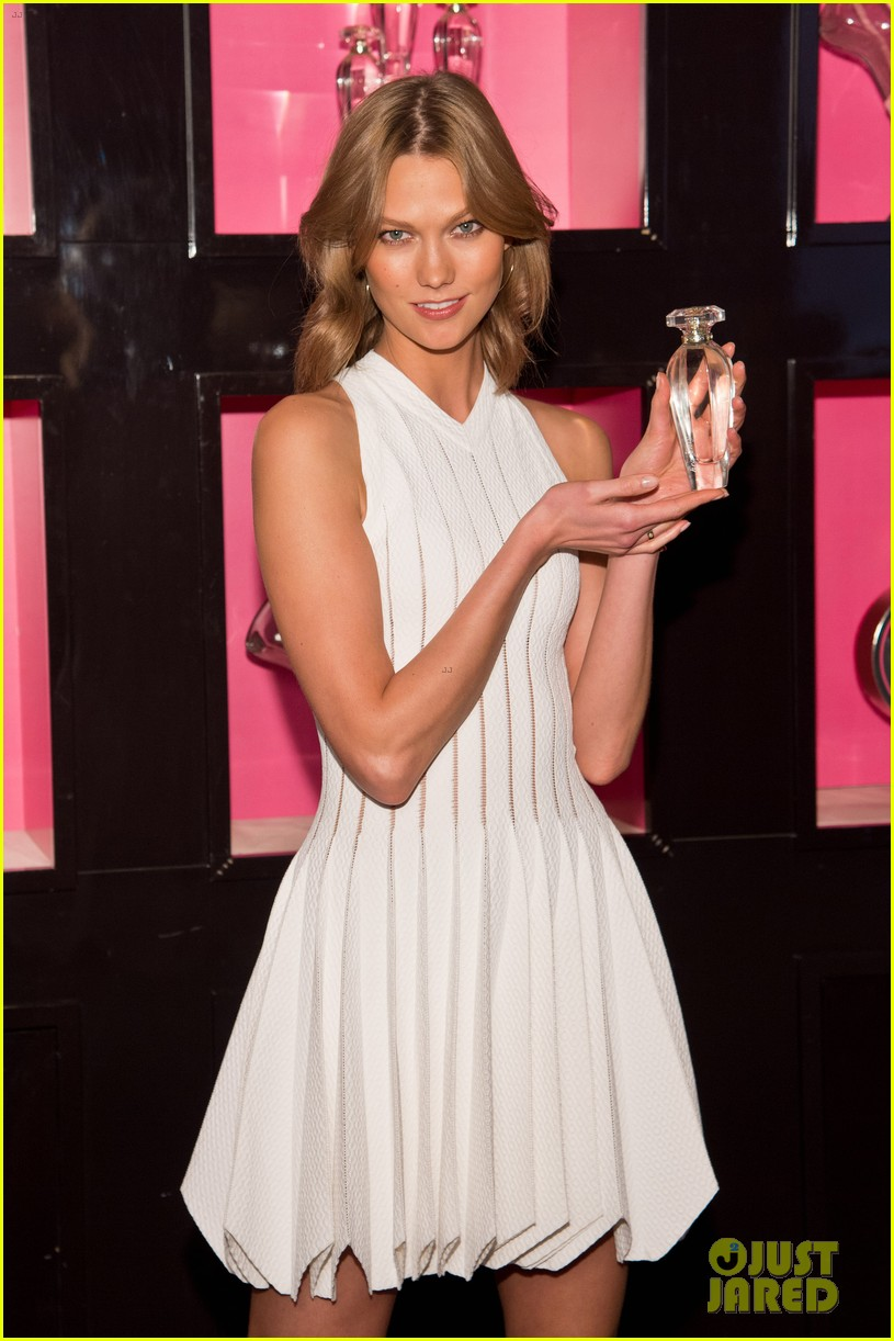 karlie kloss spreads her wings at victorias secret heavenly launch 08