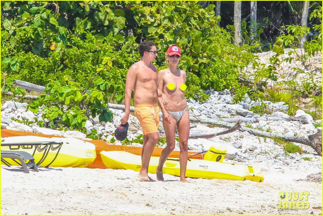 heidi klum goes topless at beach vito schnabel 053092988