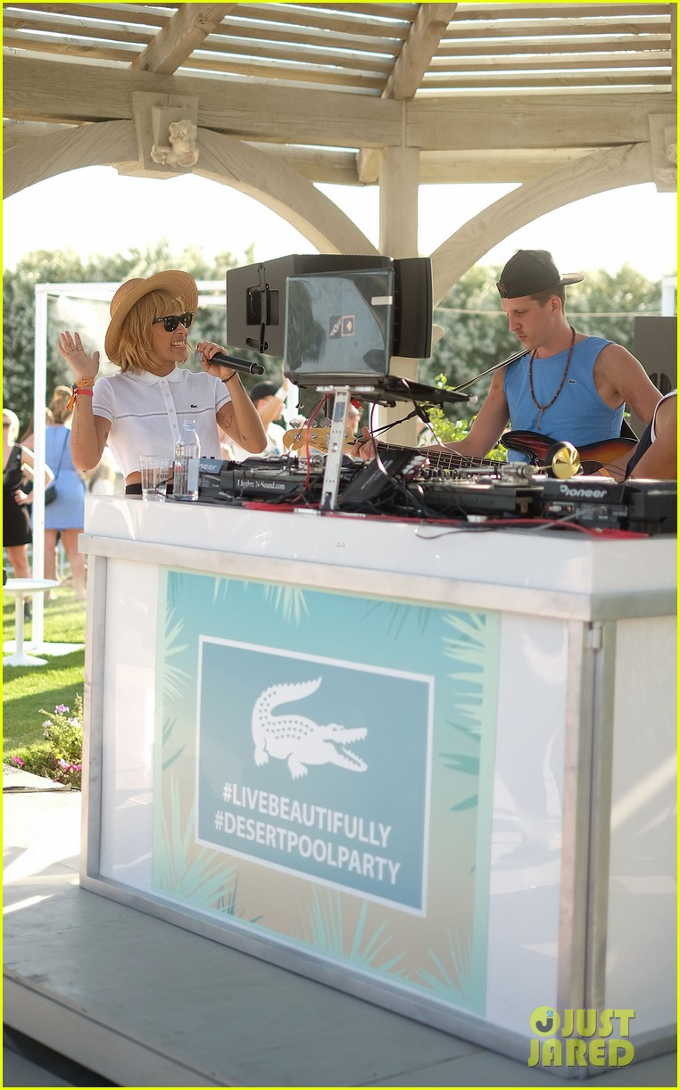 zoe kravitz lolawolfe take the mic at lacoste pool party 043091597