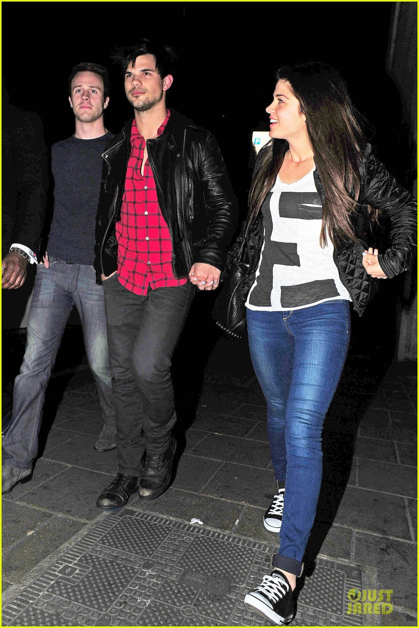 taylor lautner marie avgeropoulos inseparable london 27
