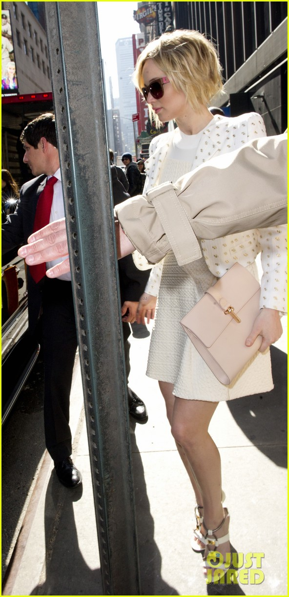 jennifer lawrence goes glam for gma spends easter in nyc 093096131