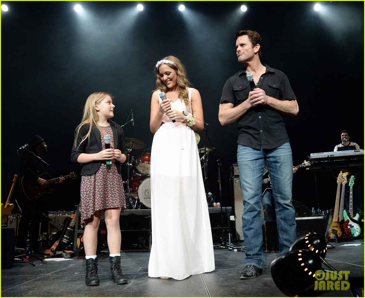 9d110f0c63e58 Nashville's Lennon Stella Leaves Prom Early to Sing at Concert ...