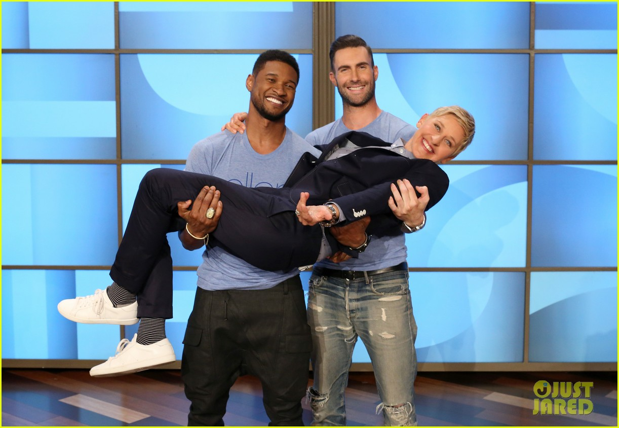 adam levine visits ellen usher lets one lucky audience member feel his abs 02