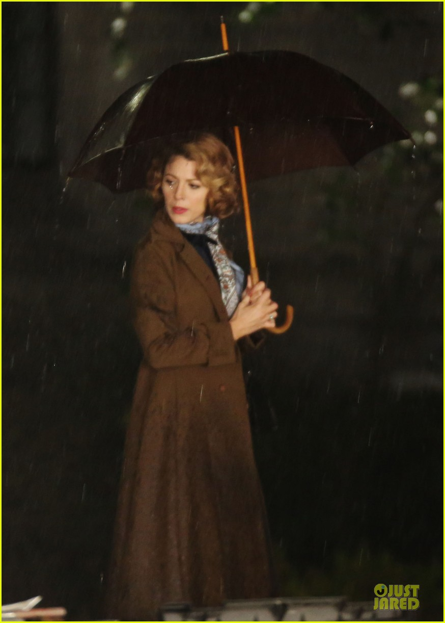 blake lively ryan reynolds woman in gold 08