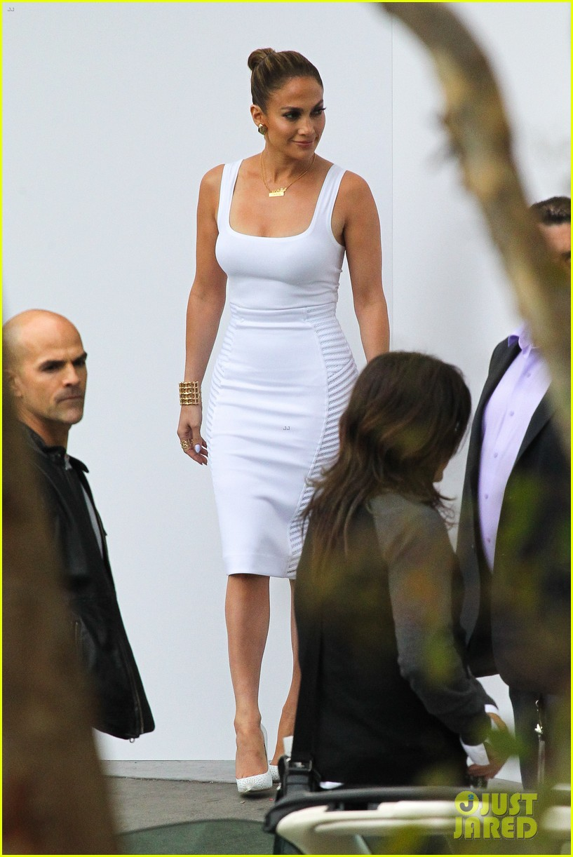 jennifer lopez white hot form fitting dress idol 09