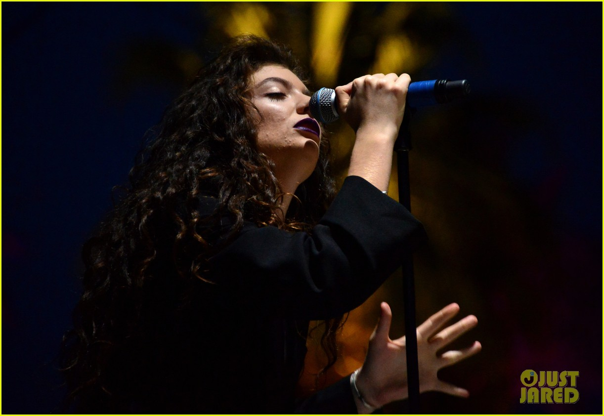 lorde means business second coachella performance 05