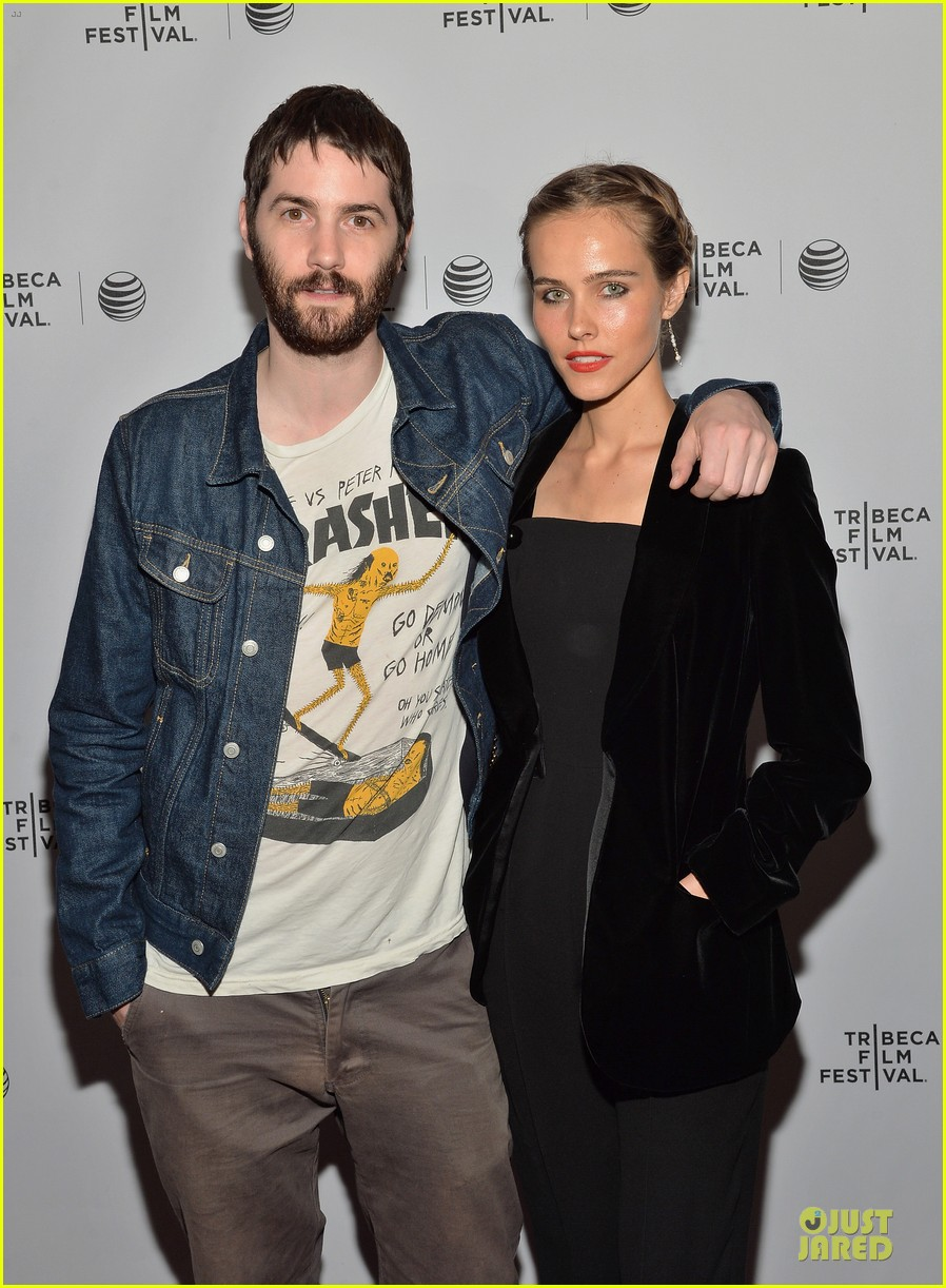 isabel lucas jim sturgess bring electric slide to tribeca 02