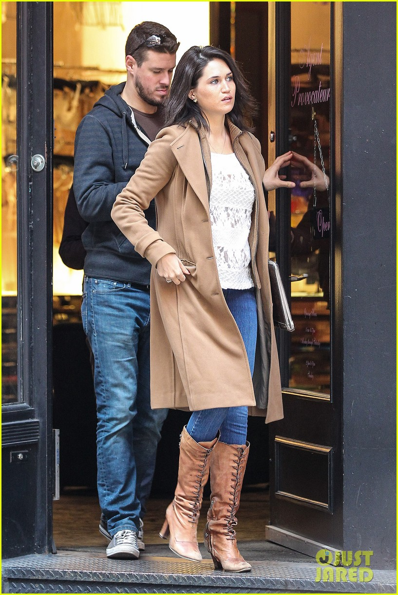 josh lucas jessica ciencin henriquez look very lovey dovey after divorce announcement 113084590