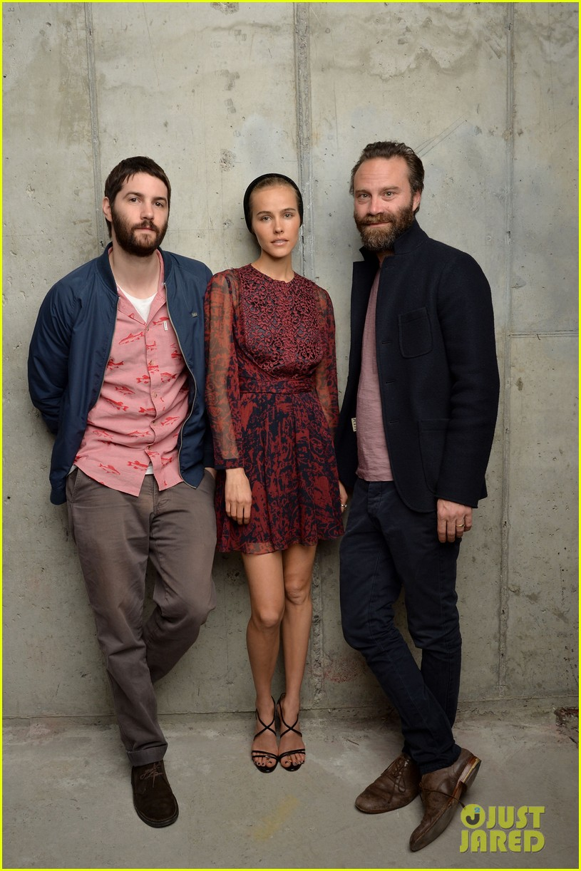isabel lucas is picture perfect with jim sturgess at tribeca film fest 08