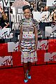 lupita nyongo open back at mtv movie awards 01