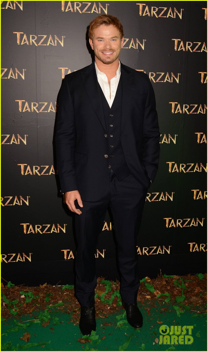 kellan lutz makes one fans day at tarzan ireland premiere 01