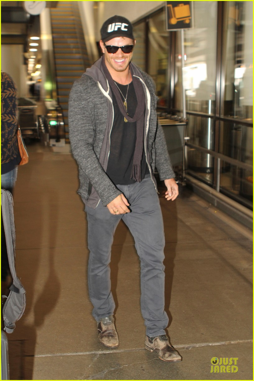 Kellan Lutz Definitely Has the Body to Be a UFC Fighter ...