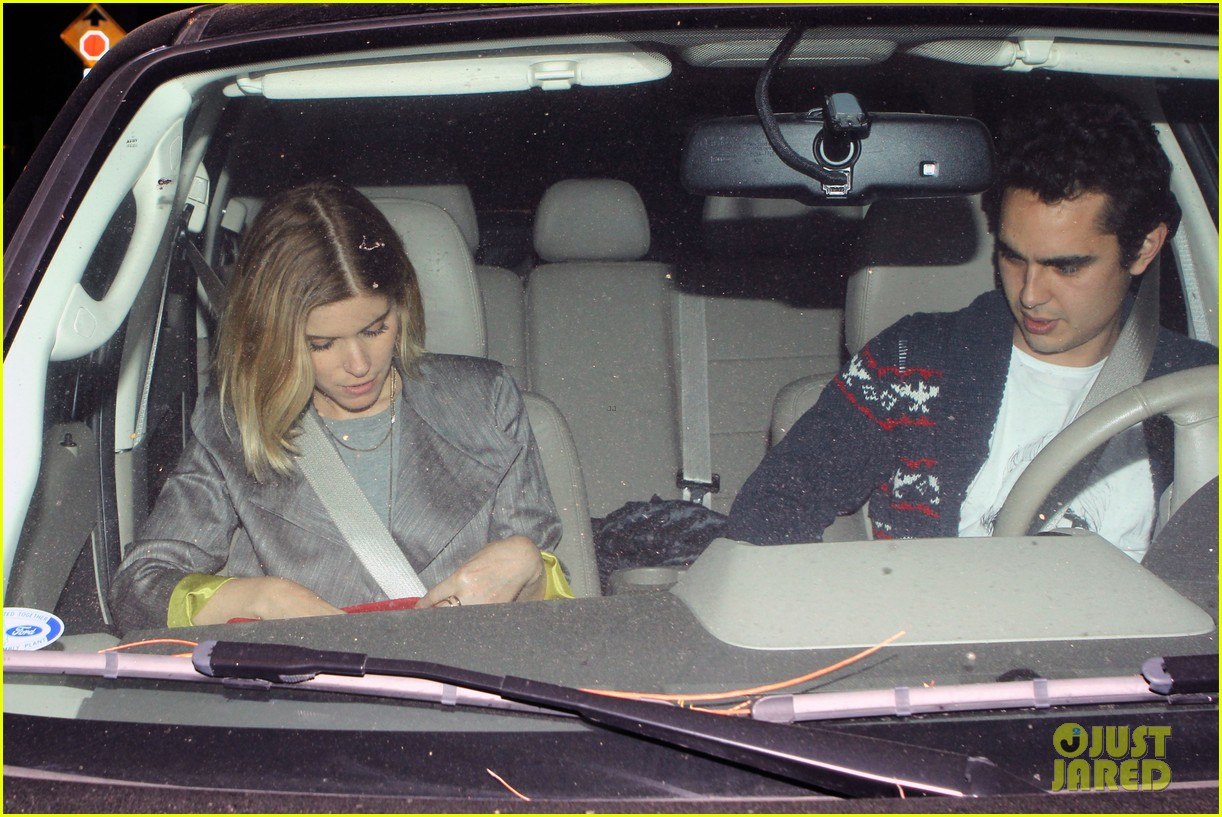 kate mara holds hands with boyfriend max minghella dinner 08