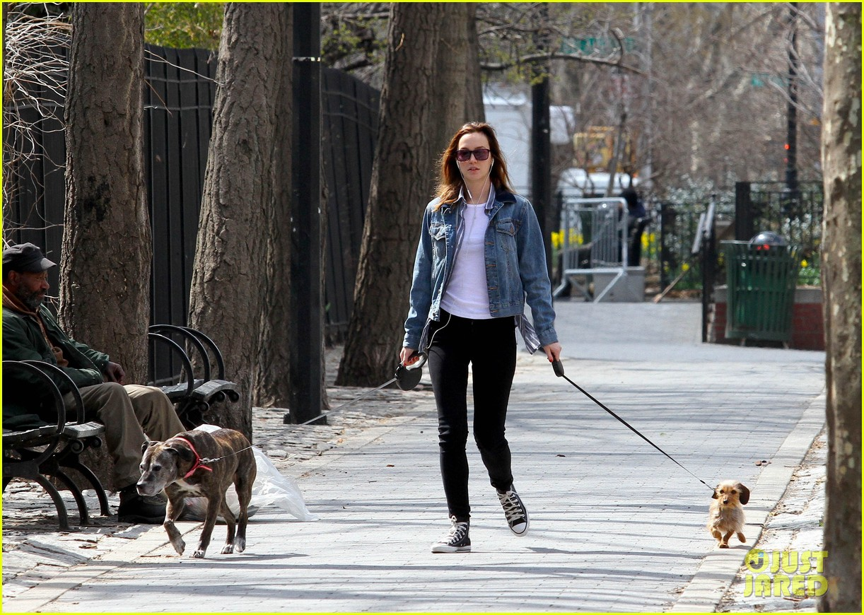leighton meester birthday dog walk 04