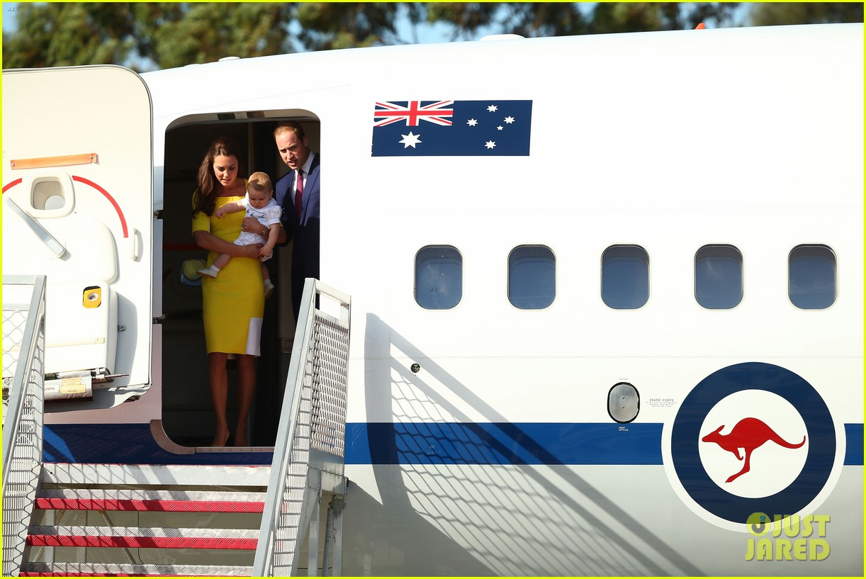 kate middleton changes into yellow dress to arrive in australia 03