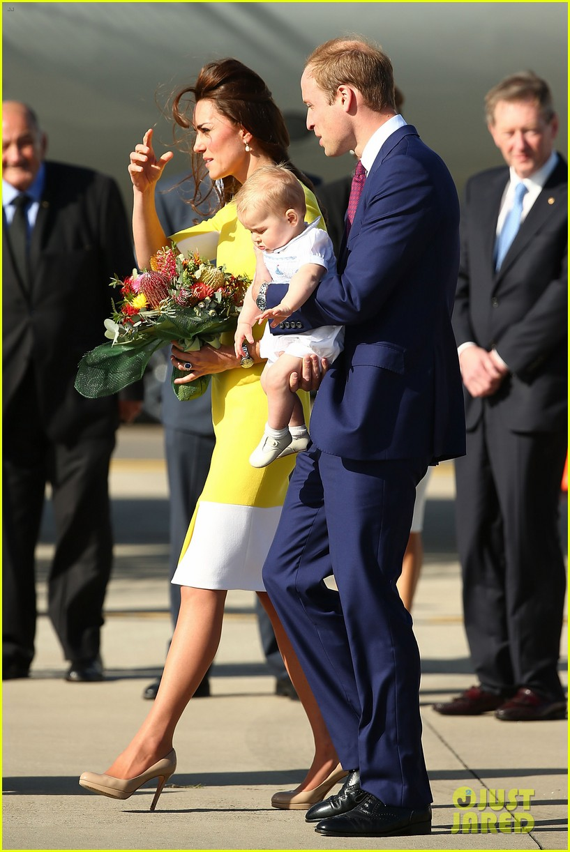 kate middleton changes into yellow dress to arrive in australia 203093103
