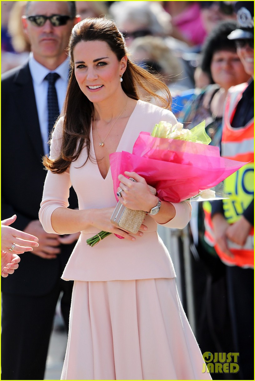 kate middleton prince william hit the dj booth 133097199