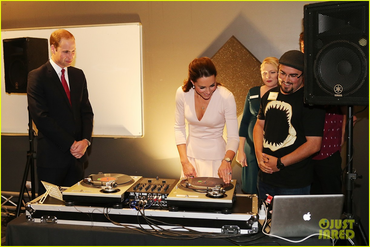 kate middleton prince william hit the dj booth 18