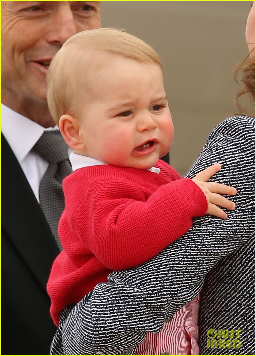 kate middleton prince william prince george say goodbye to australia 18
